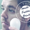 Il a essayé: Kale Nettoie avec une brosse visage Sonic