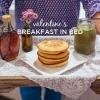Imprégné de sirop d'érable et petit déjeuner au lit