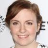 Lena Dunham 'Premieres Sa Pixie Cut sur «Late Night'