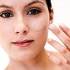 Conseils maquillage pour les cernes et Spots